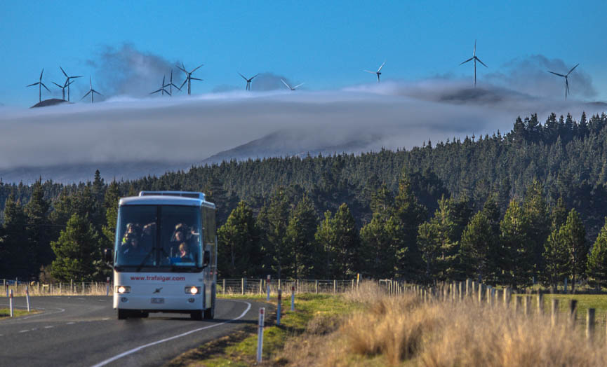 Queenstown - Te Anau, bus - coach transport & scenic drive